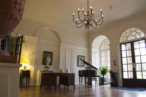 Hemswell-court-entrance-hall