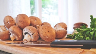 lincolnshire.org-vegetarian-lincolnshire-sausages